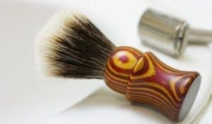 brocha de afeitar multicolor