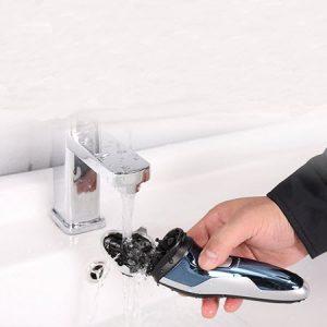 lavar una cortapelos