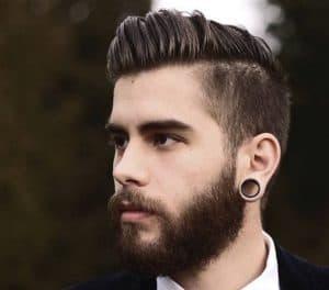 hombre joven con el pelo cuidado