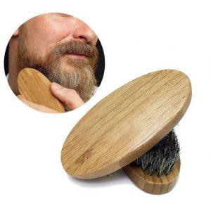 cepillo para la barba compacto