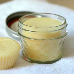desodorante natural en jarro de cristal