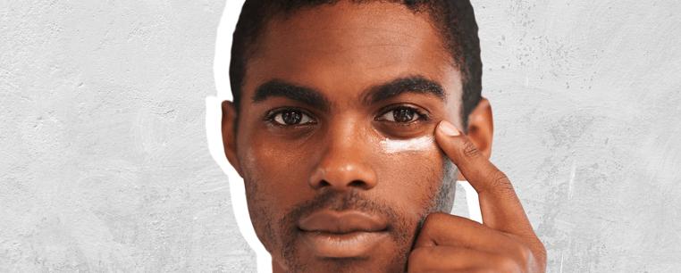 hombre negro con antiojeras